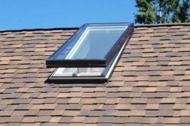 Lakás és családi ház bővítése tetőtéri ablakokkal.